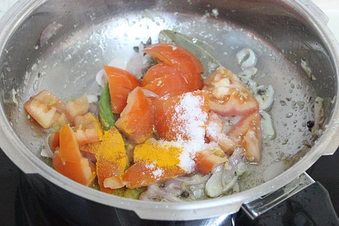 addition of turmeric to the pot for tomato bath recipe