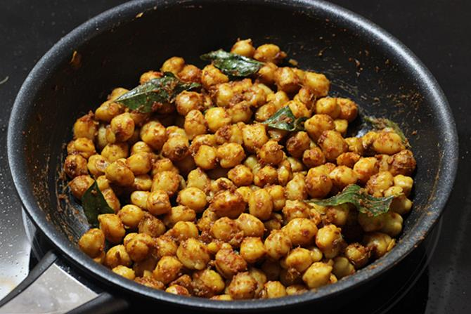 addition of stock to make dry chana recipe