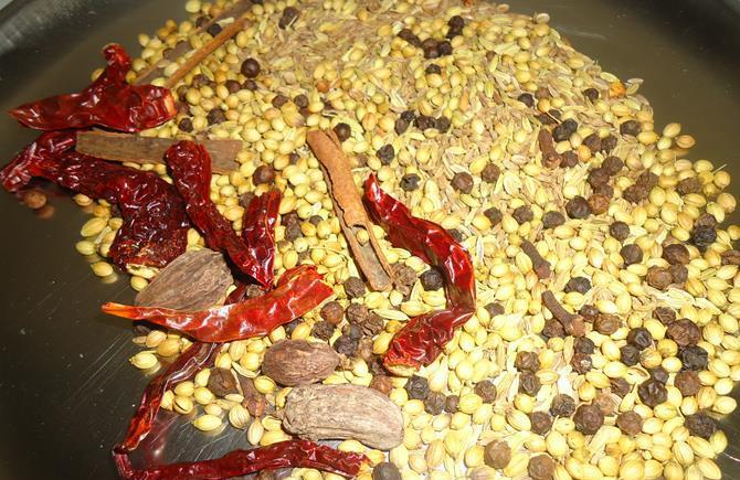 ingredients for pav bhaji masala powder