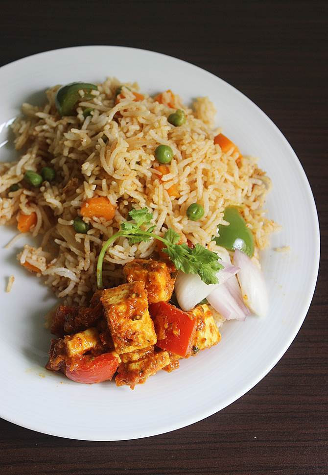 serving tawa pulao with kadai paneer