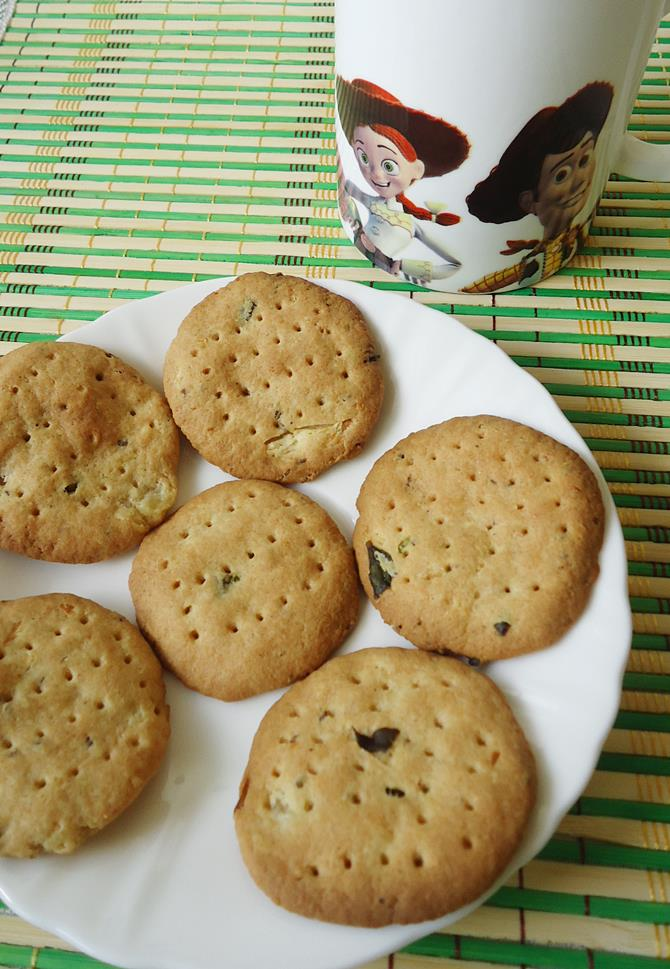 wheat paneer biscuits eggless