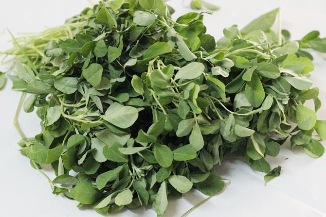 methi leaves for methi dal