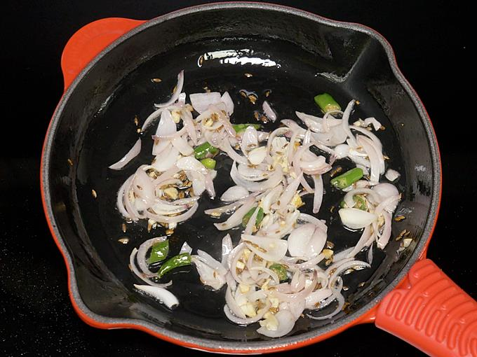 golden fried onions to make aloo palak