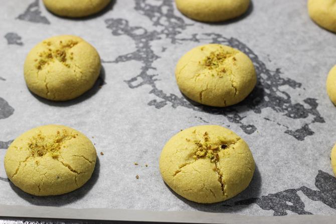 baked at 170 C besan nankhatai recipe