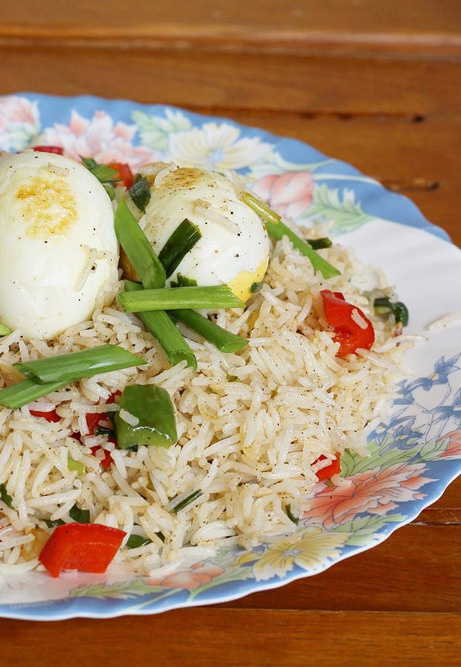 Boiled egg fried rice indian egg fried rice recipe egg fried rice with boiled eggs swasthis recipes ccuart Image collections