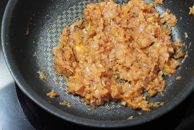 onion tomato masala for mushroom stir fry