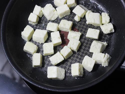 frying paneer in oil