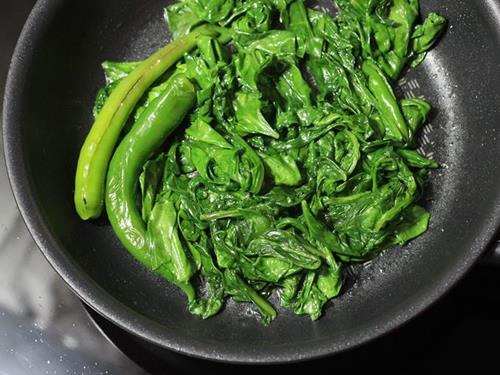 wilted spinach to make puree