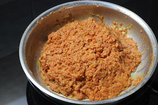 addition of cardamom for gajar ka halwa