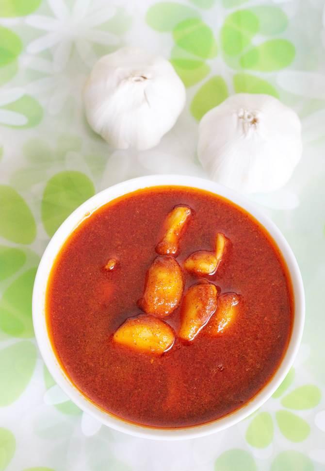 garlic pickle recipe, andhra velluli avakaya