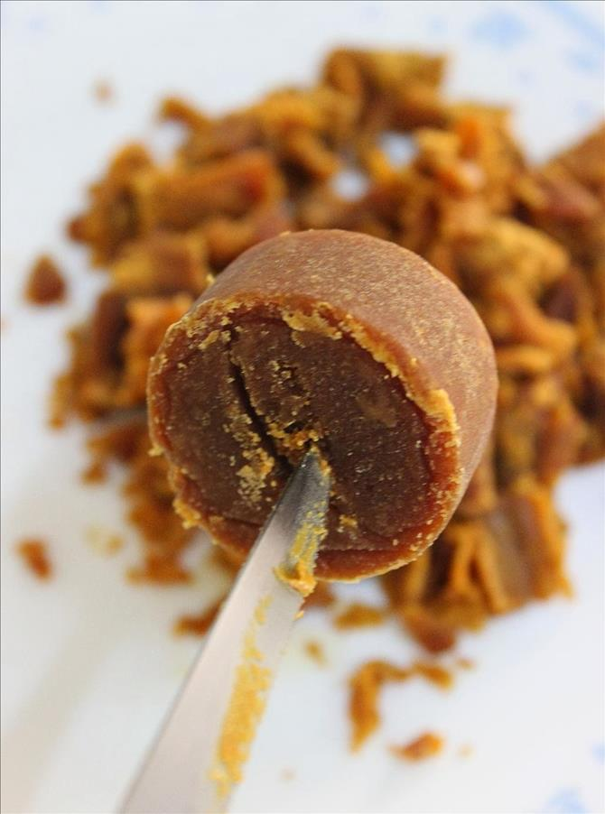 coconut sugar for almond laddu