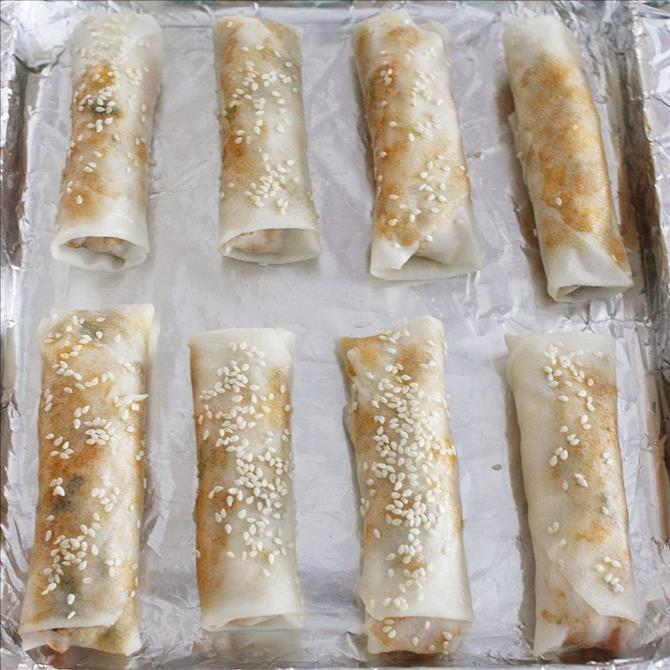 baking or frying vegetable rolls to make spring roll recipe