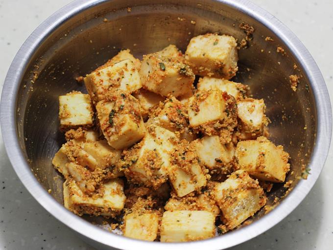 spiced marinade to make paneer amritsari