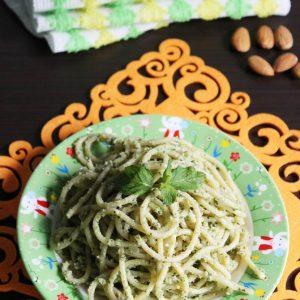 vegetarian spaghetti recipe (with almond mint pesto)