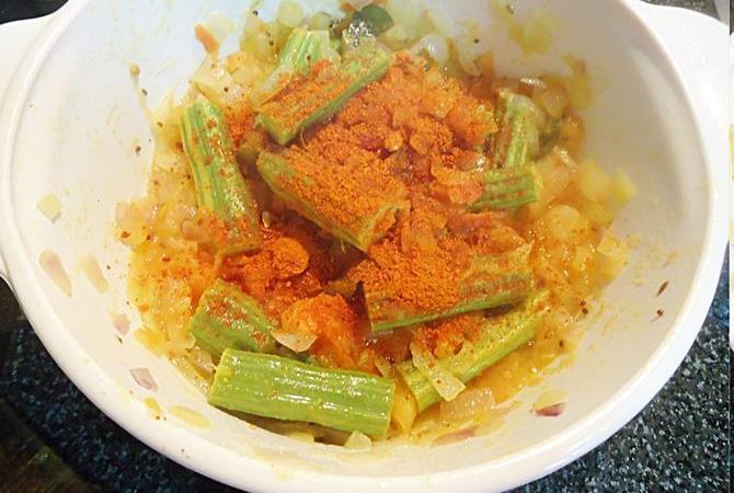 red chili powder, coriander powder to make drumstick curry step 5