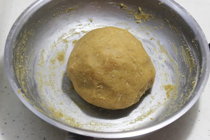 ghee smeared dough