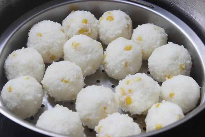 shaping cooked rice rava to balls for undrallu recipe