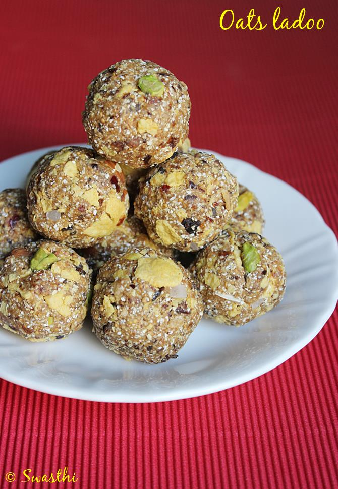 Oats dry fruits ladoo recipe low fat indian sweet recipes oats dry fruits ladoo recipe forumfinder Images