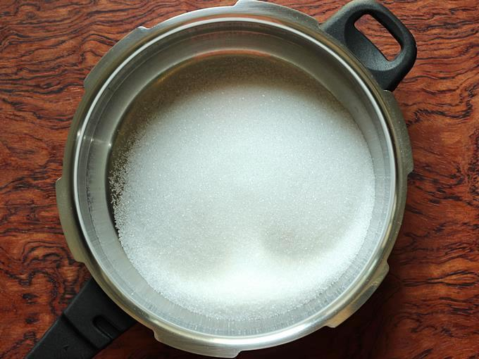 Adding sugar for sugar syrup