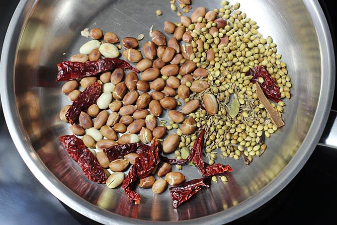 roasting spices chili for gutti vankaya kura recipe