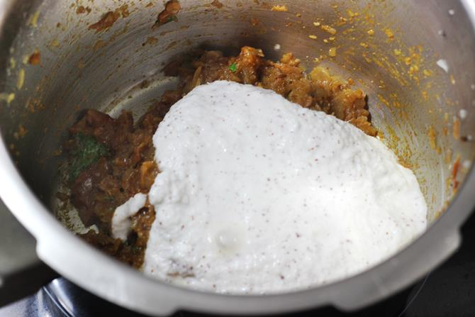 addition of ground coconut masala