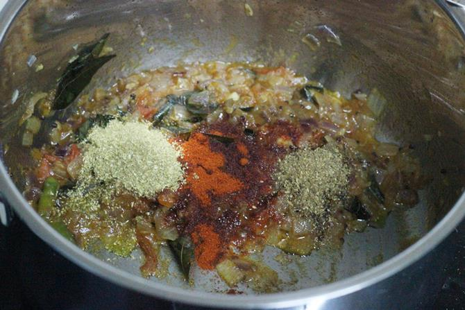 addition of spice powders to pan for sweet potato curry