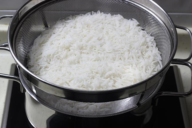 drain rice for indian chicken fried rice