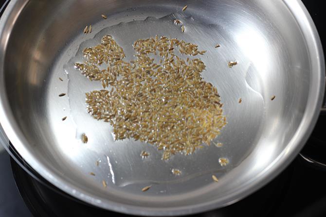 crackle cumin for potato curry recipe