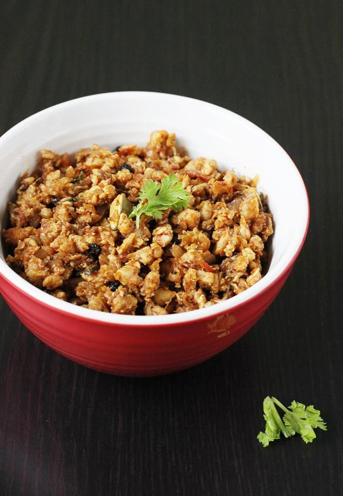 delicious garnished chicken keema recipe from swasthi