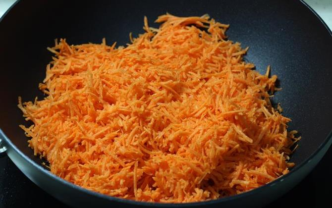addition of carrot for gajar kalakand recipe