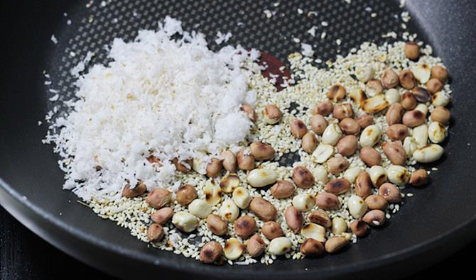 roasting peanuts for bagara baingan recipe