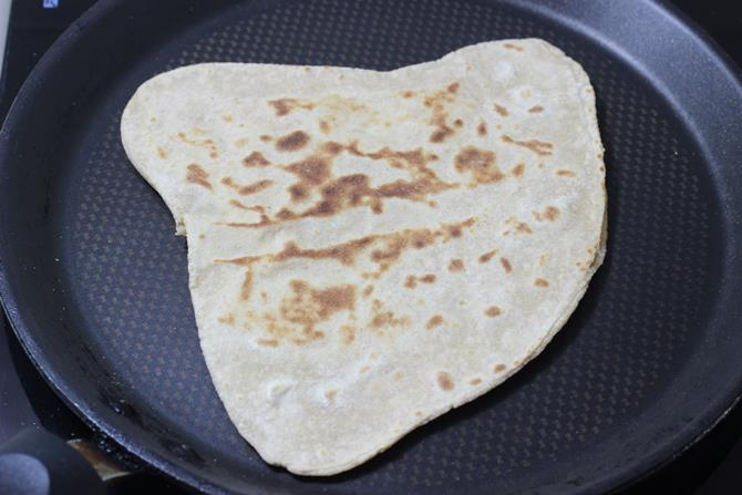 toasted anda paratha recipe
