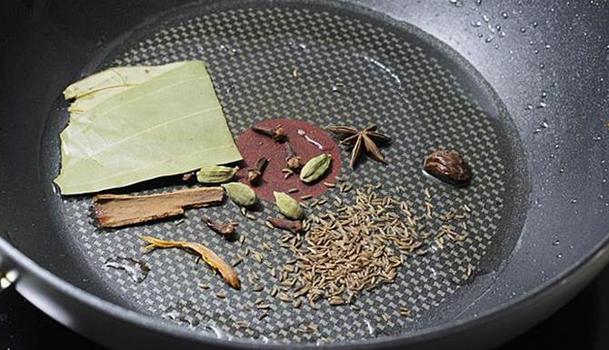sizzling dry spices