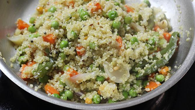 Quinoa upma recipe how to make vegetable quinoa upma for Quinoa recipes indian
