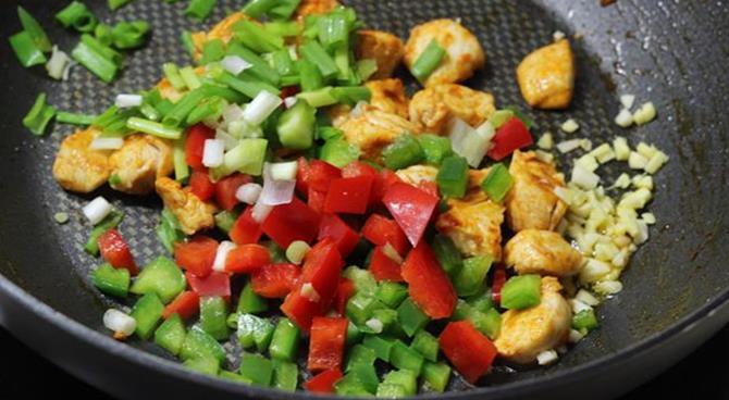 addition of garlic in schezwan chicken fried rice recipe