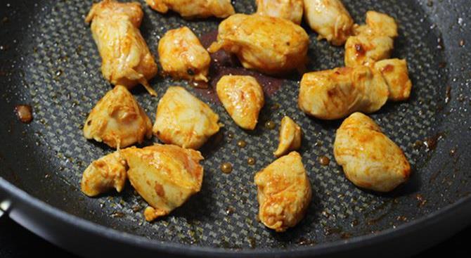 sauteing chicken in schezwan chicken fried rice recipe