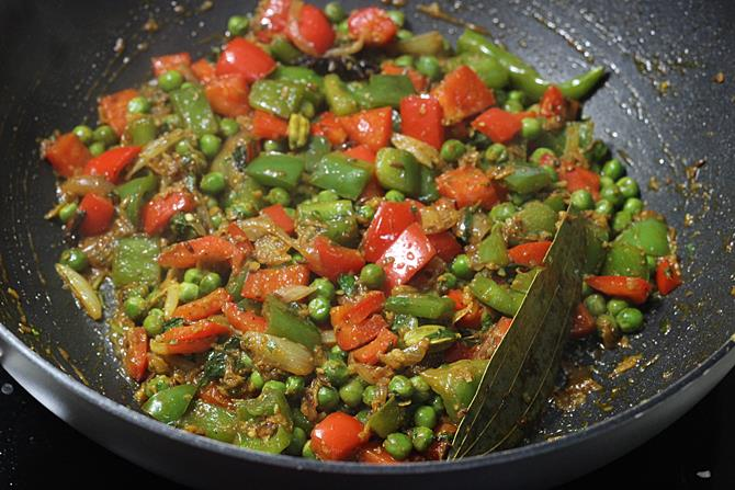 addition of water to cook veggies for capsicum pulao