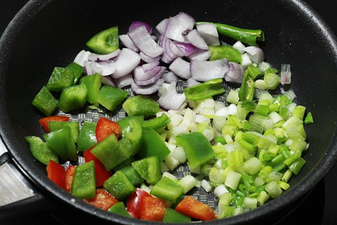 sauteing veggies for chilli paneer recipe
