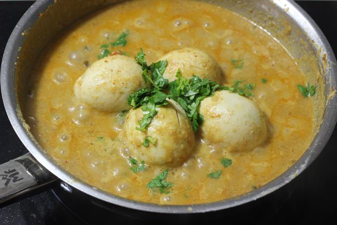 thickened gravy egg korma