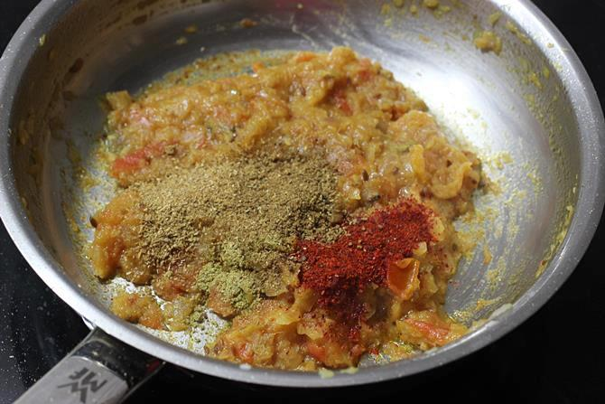 addition of spice powders for egg kurma recipe