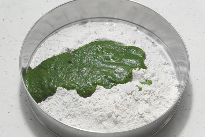addition of flour and puree
