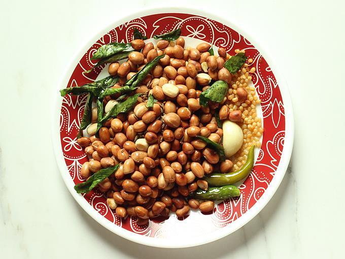 cooling ingredients to make peanut chutney