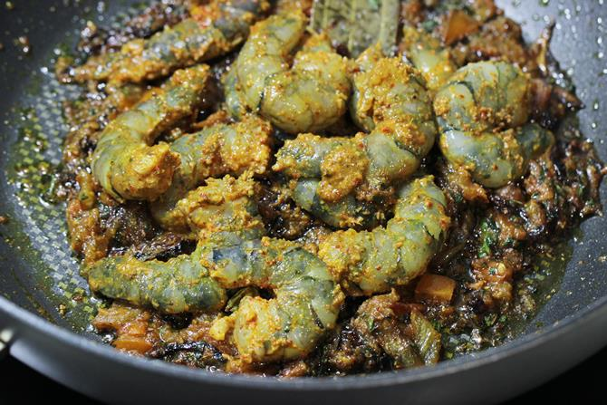 addition of marinade in prawn biryani recipe