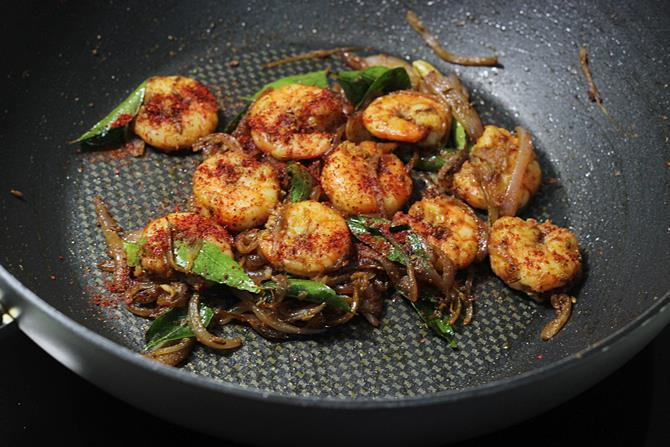 addition of chili powder in prawn fry recipe
