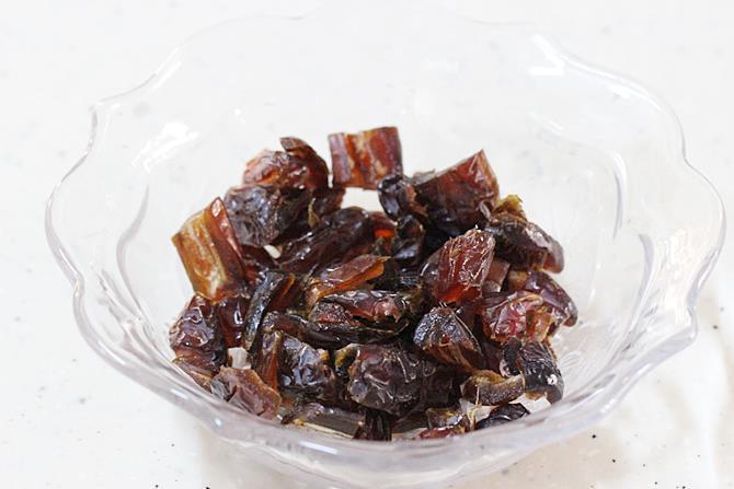 chopped dates for sheer khurma recipe