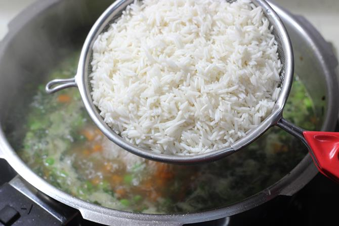 addition of soaked rice for pulao