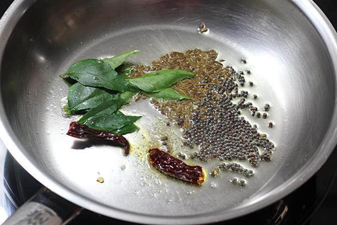 Heat ghee or oil in a pan