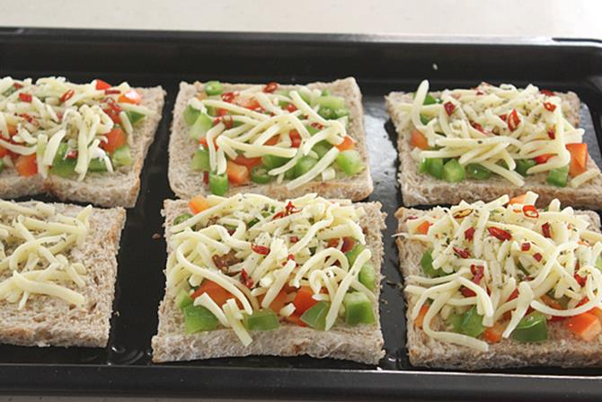 cheese over the bread for capsicum cheese toast