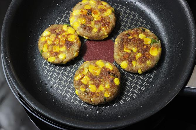 golden fried corn cutlet