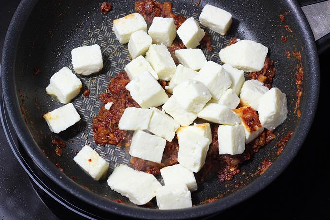 tossing panir for garlic paneer